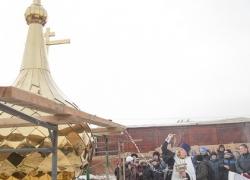 Храм. Установка куполов
